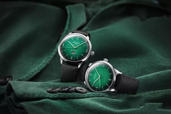 Green dials copy watches have mysterious charm for fans.