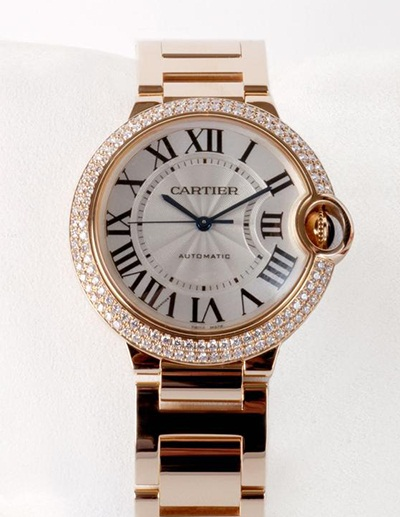 Cartier replica watches with white dials have high recognition.