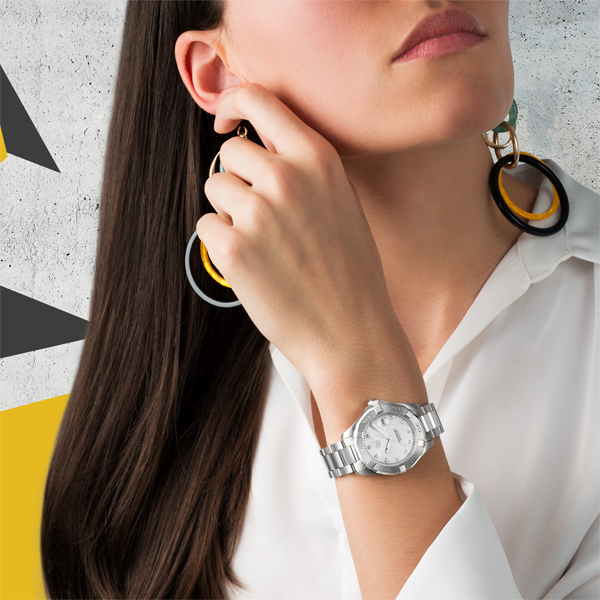 Steel TAG Heuer Aquaracer copy watches are elegant for ladies.