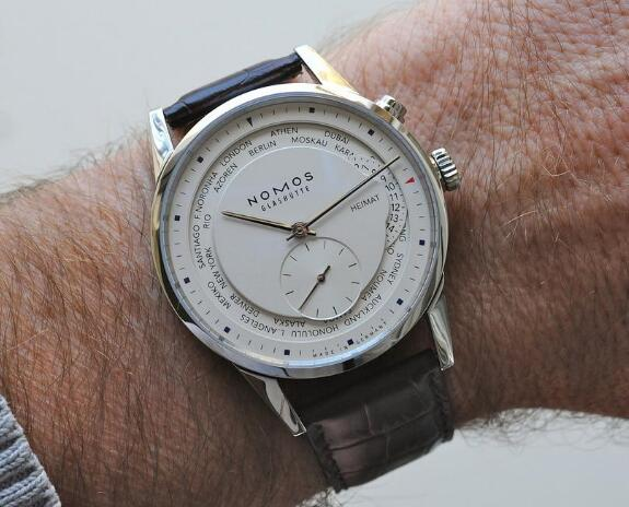 With the simple and elegant design, this Nomos is very suitable for formal occasion.