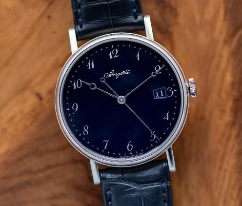 The concise Breguet presents the extremely elegance.