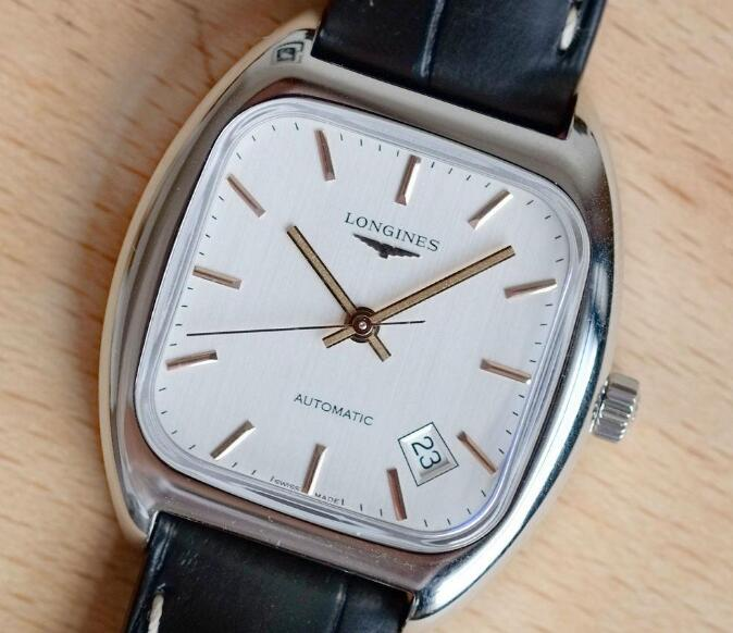 The shape of case of his Longines Heritage is quite different from modern Longines.